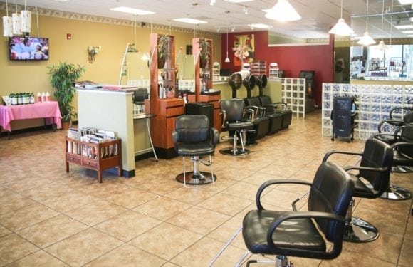 EilGroveSalon2 580x375 - Elk Grove Salon & Spa